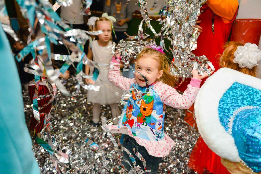 Articoli, gadget, decorazioni, palloncini per feste e eventi